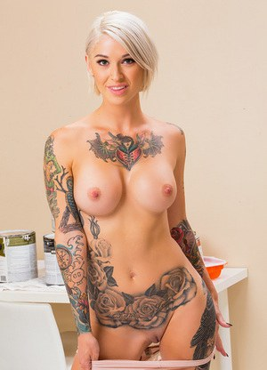 nude tattoo girl self