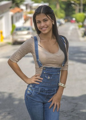 Girls Jeans Pictures