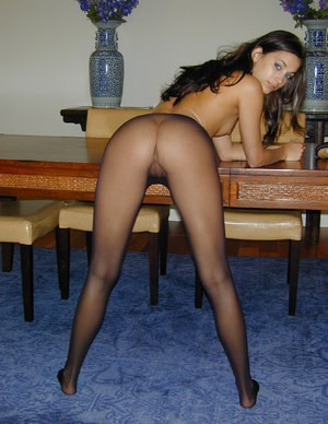 Babes in pantyhose pics