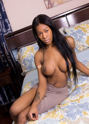 LOVE THIS busty black women galleries like