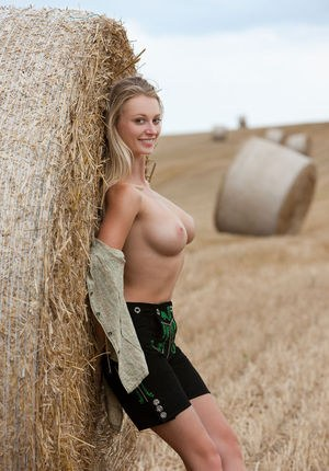 farm on Naked girls