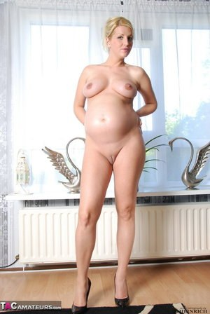 Opinion you pregentnude picture of lady apologise